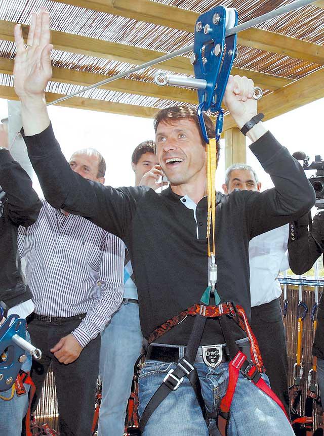 """Senda Viva abre al público """"la mayor tirolina de Europa"""""""