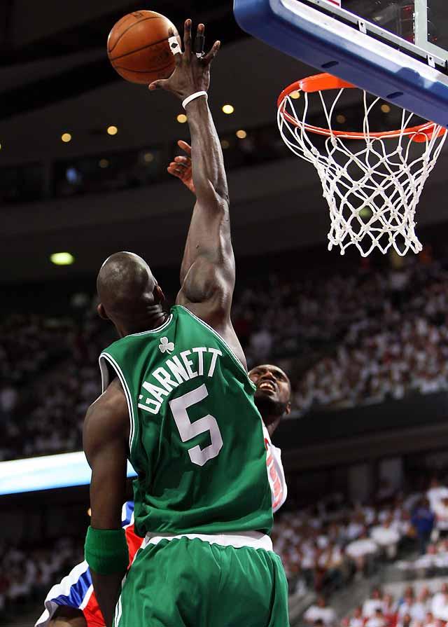 Garnett y los Celtics ganan en Detroit (94-80) y recuperan la ventaja