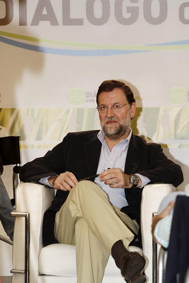 Rajoy asegura que no ve a ningún militante del PP como un adversario