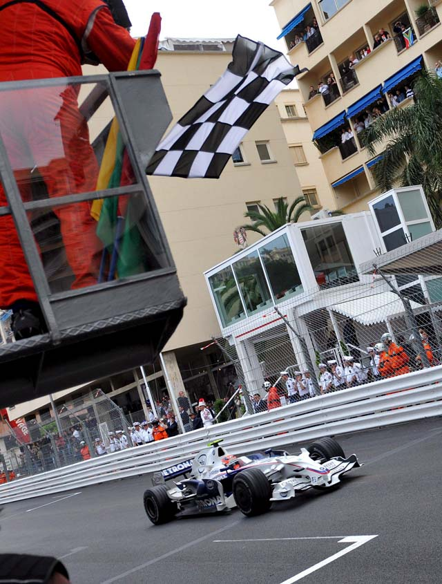 """Alonso: """"En la carrera pudo pasar de todo, había que asumir riesgos y hoy salieron mal"""""""
