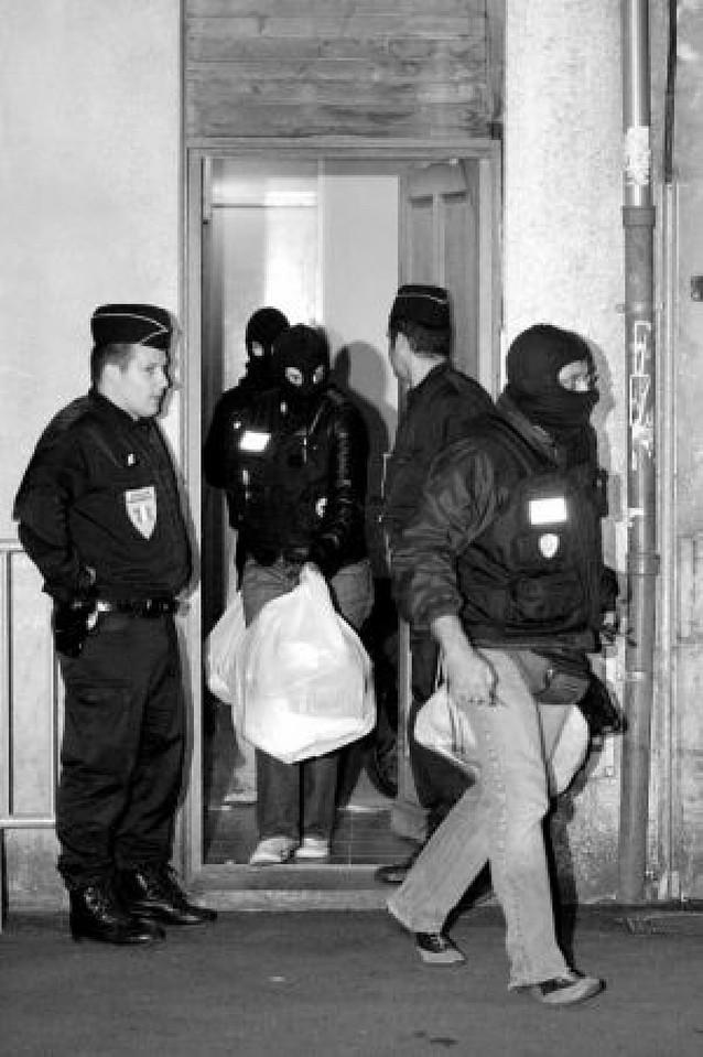 """Prisión preventiva para los cuatro detenidos del """"aparato político"""" de ETA"""
