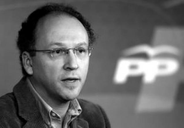 Gabriel Elorriaga agudiza la crítica al descalificar a Rajoy como líder