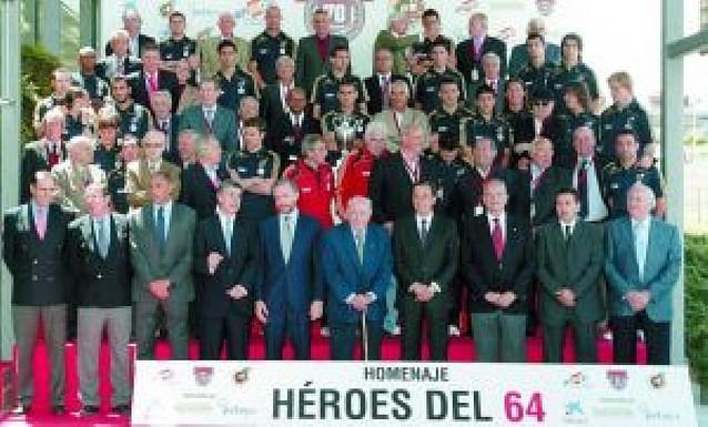 España, con Cesc e Iniesta, ya prepara la conquista del sueño europeo