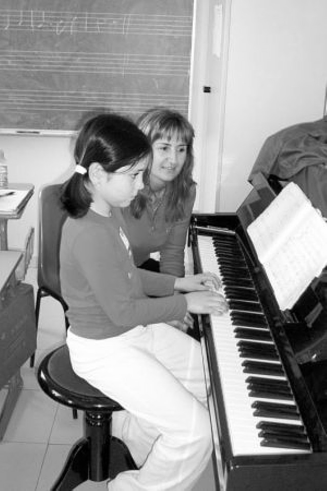 San Adrián amplía la oferta musical con talleres de pop-rock y clases a los grupos