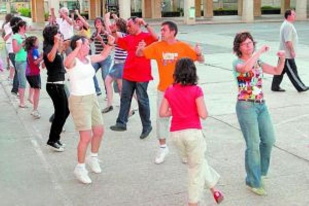El Ayuntamiento presenta las actividades y cursos del verano