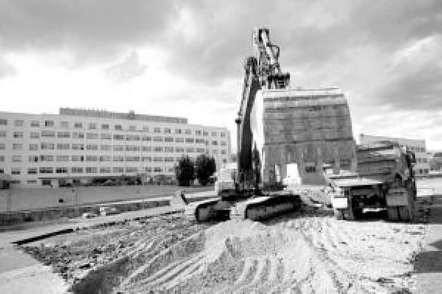El parking de Hospitales se construirá con criterios para paliar las molestias