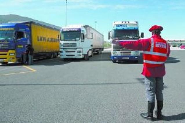 Los transportistas navarros sopesan si secundan la huelga nacional del día 8