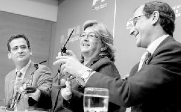 Rajoy reivindica ante Aguirre el centro reformista para llegar al Gobierno