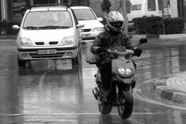 El 94% de los jóvenes usa el cinturón de seguridad o el casco en la moto