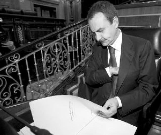 """Zapatero admite ante Rajoy que el """"ajuste económico es más intenso de lo previsto"""""""