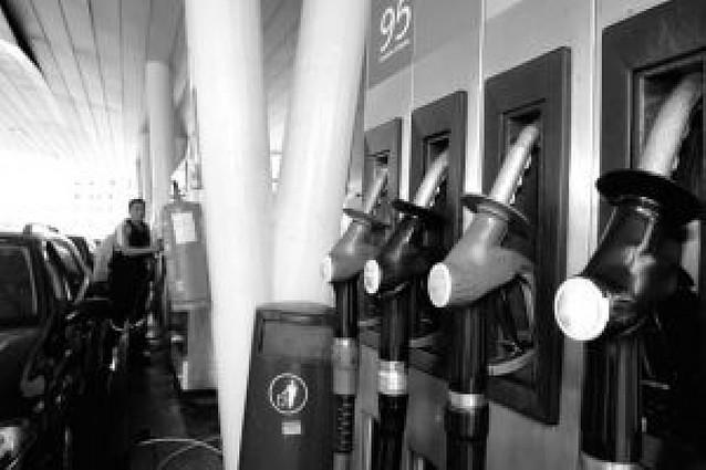 Llenar un depósito diésel cuesta 9 euros más que hace dos meses y 21 más que hace año y medio