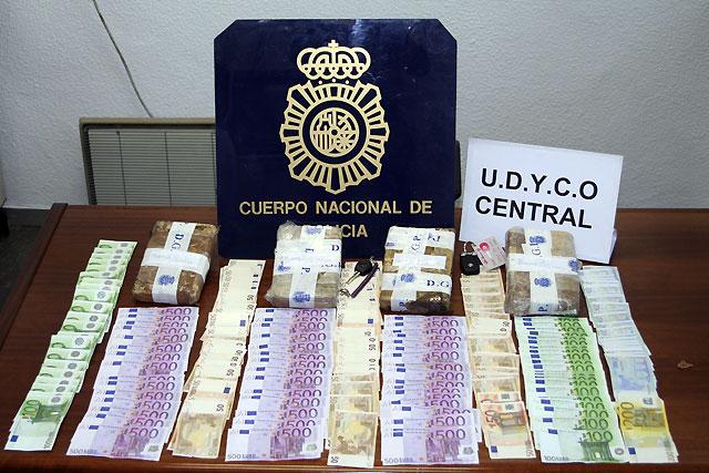 Detenidos en Madrid un miembro de la mafia calabresa y su mujer con más de 40.000 dosis de cocaína