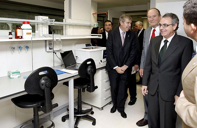 Navarra inaugura un centro que quiere ser referente nacional en nanotecnología