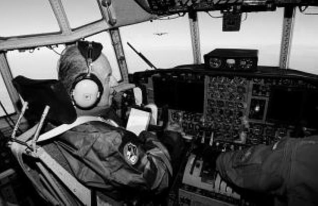 El Rey pilotó un Hércules en maniobras en Zaragoza y Navarra