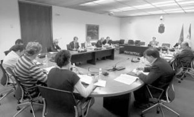 El Parlamento foral rechaza la ampliación de la zona mixta del euskera