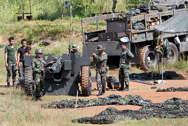 Soldados camboyanos y tailandeses intercambian disparos en la zona fronteriza