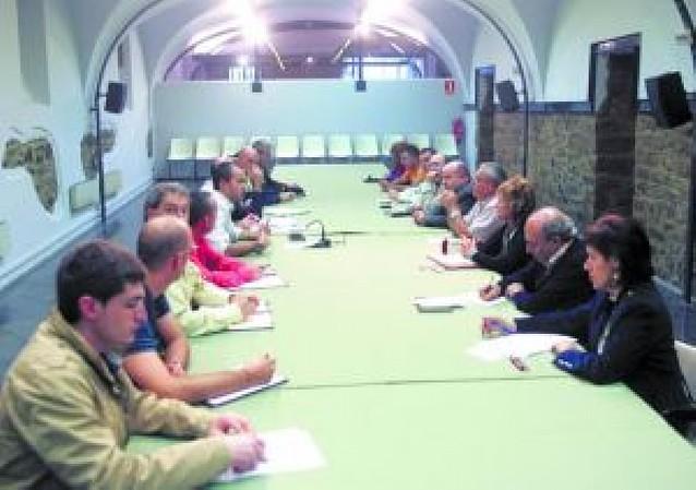 """La """"Mesa de San Fermín en la calle"""" analizó la limpieza en fiestas"""