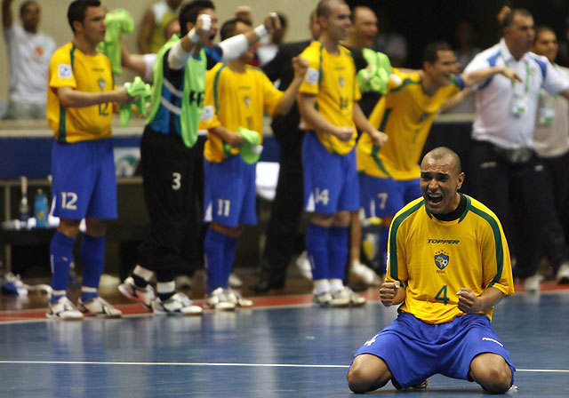 Brasil sufre más de lo previsto para pasar a la final tras derrotar a Rusia (4-2)