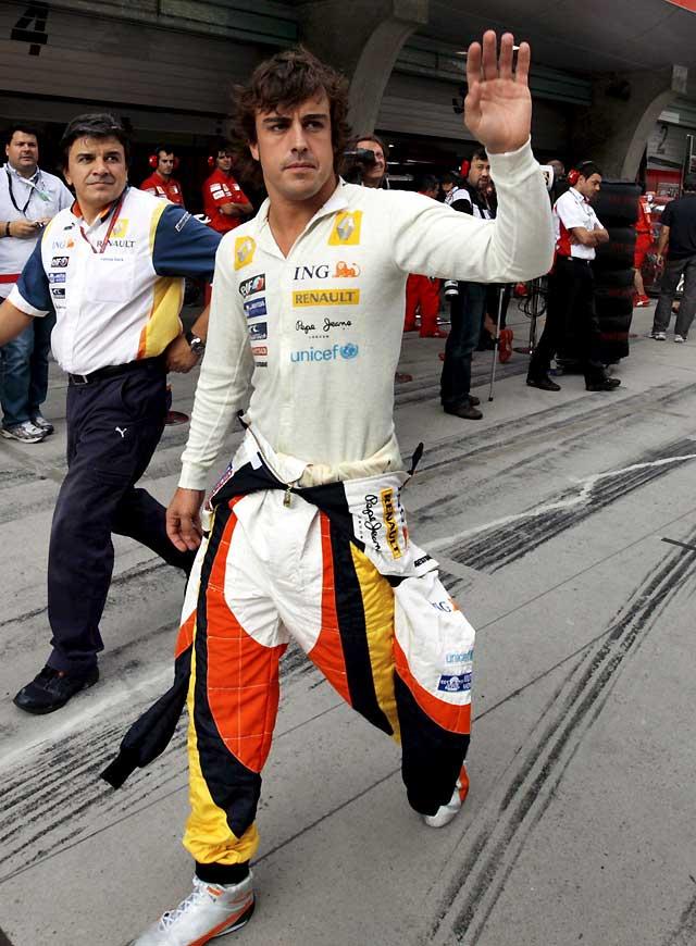 """Alonso: """"Ojalá me equivoque pero creo que estamos más lejos de Ferrari y McLaren"""""""