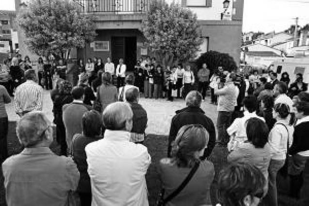 Vecinos de Ayegui se concentran en apoyo a la familia de María Puy Pérez Ezpeleta