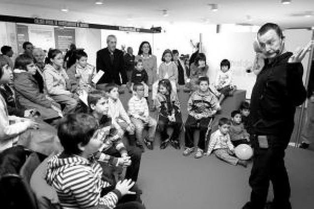 Unos 10.000 navarros ha visitado ya el I Salón Navarra Salud en Baluarte