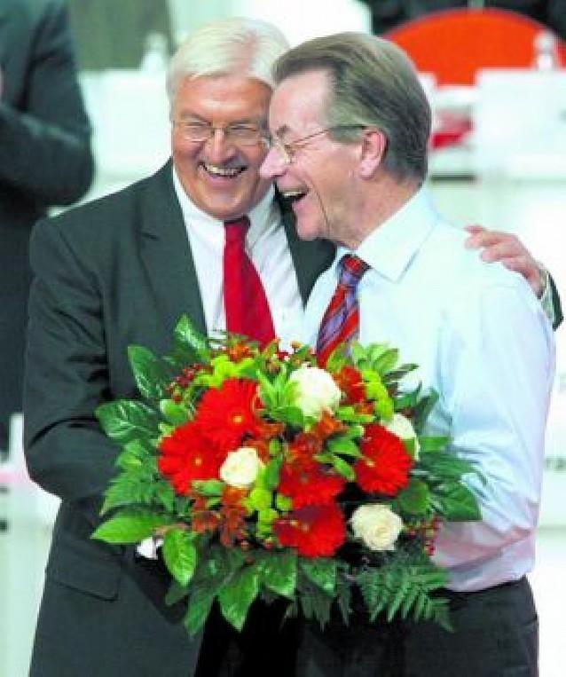 Frank-Walter Steinmeier luchará con Merkel por la cancillería alemana