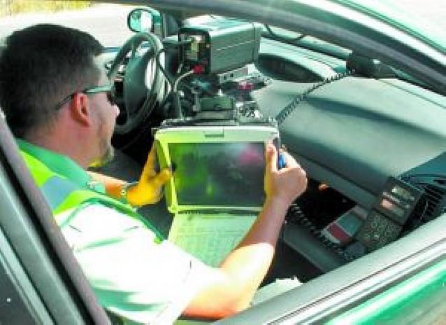 Las multas de radar descienden un 30% al disminuir el tráfico e ir más lento