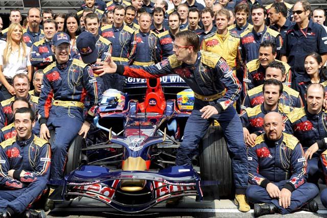 Hamilton deja el título listo para sentencia y Alonso acaba cuarto con buenas sensaciones