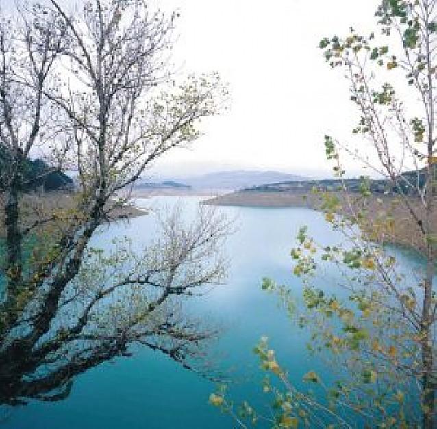 El agua modela Navarra