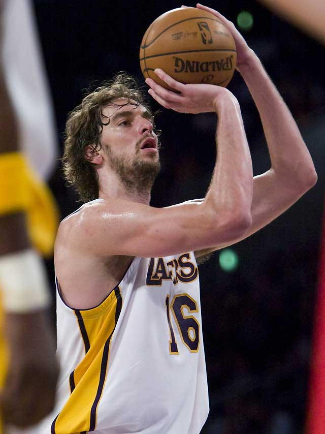 Gasol y los Lakers fueron superiores a los Raptors de Calderón (112-89)