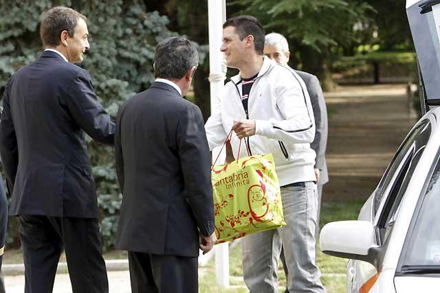 Revilla dice que los taxistas se sortearon llevarle al Palacio de La Moncloa
