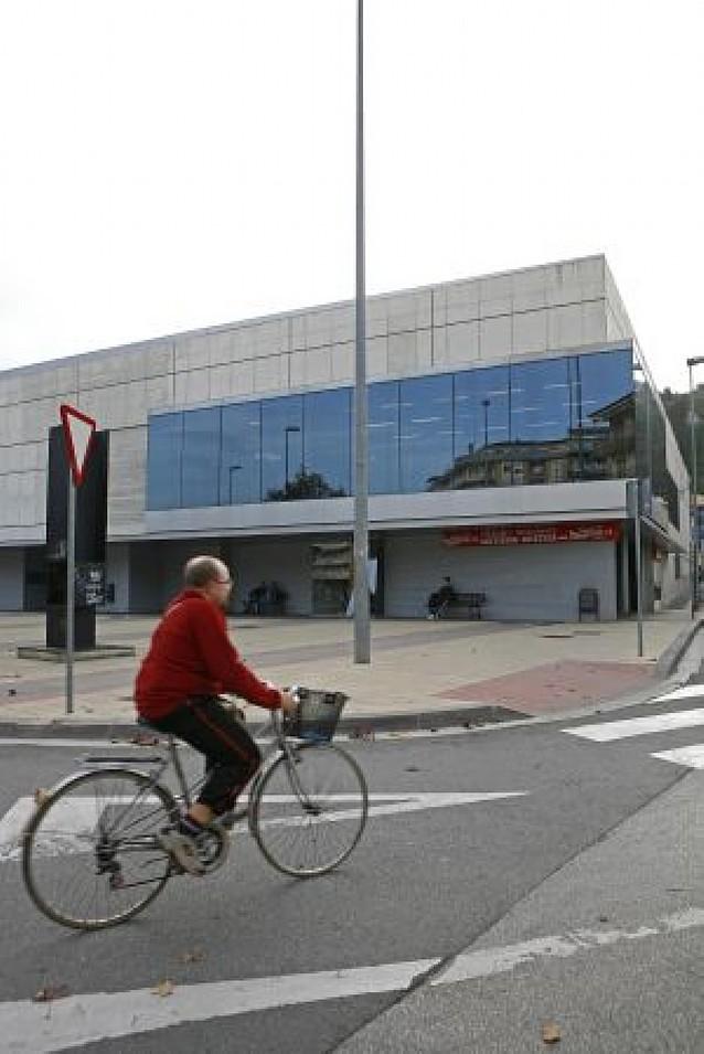 Deportes propone una subida del 4,5% en las tasas del polideportivo de Estella