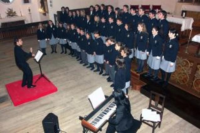 300 personas asisten a un concierto de la Escolanía del Orfeón Pamplonés