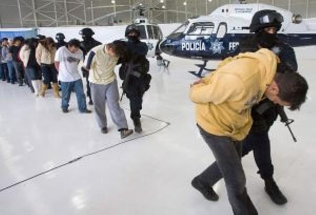 Al menos 16 presos mueren calcinados tras un motín en una cárcel mexicana