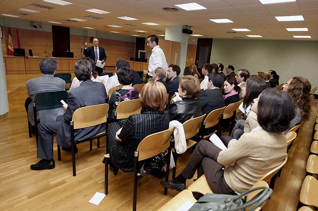 Los secretarios judiciales navarros secundan el paro y se suspenden 50 juicios