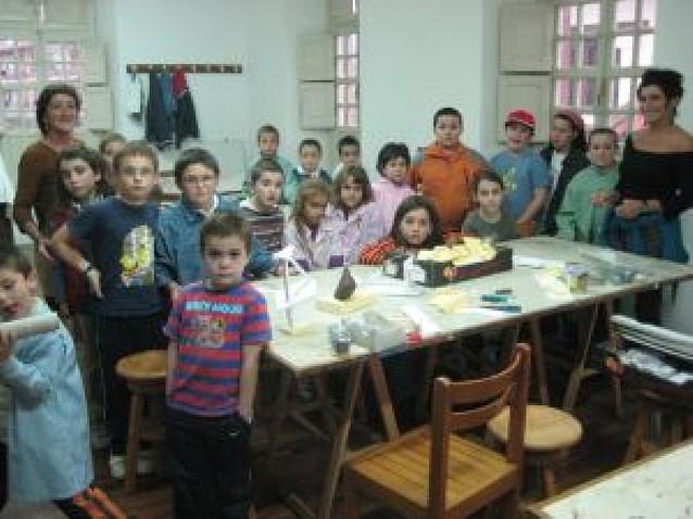Los niños de Baztan emulan a Oteiza