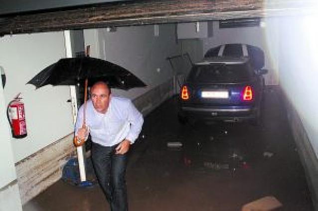 Dos trombas de agua inundan calles y bajos en Cintruénigo y Carcastillo