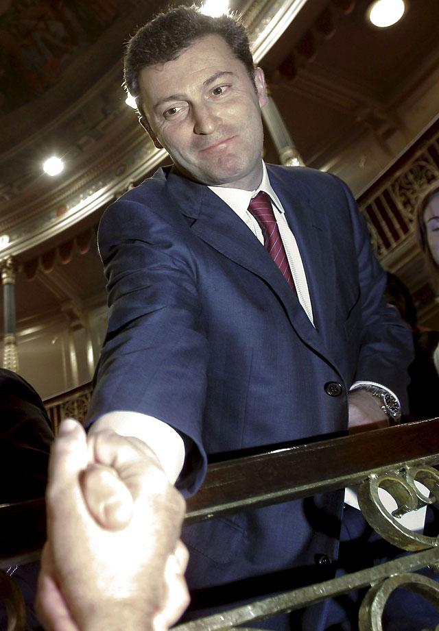 Cervera desobedece a UPN y vota con el PP en contra de los presupuestos