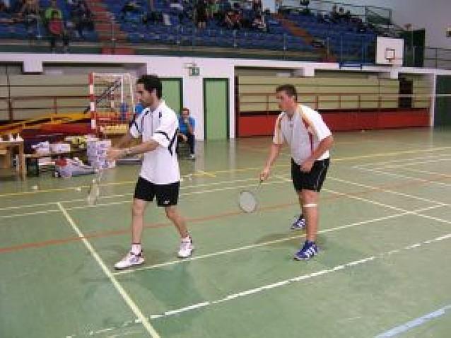 Jugadores de Estella, en las finales de otro torneo de bádminton