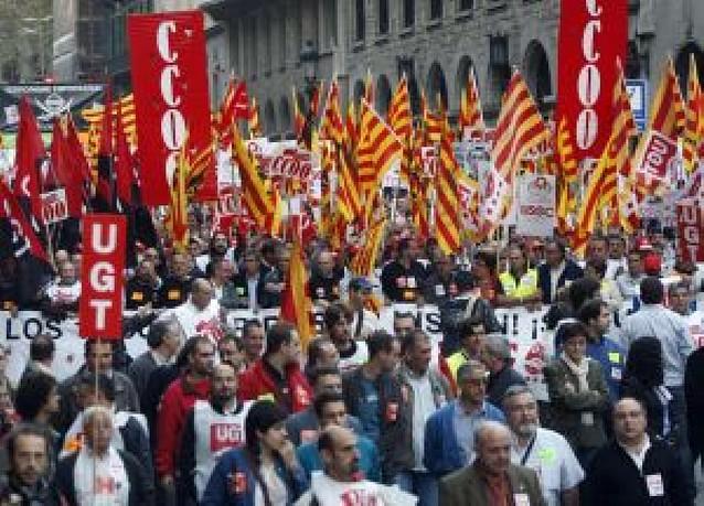 Más de 5.000 personas protestan por los despidos de Nissan