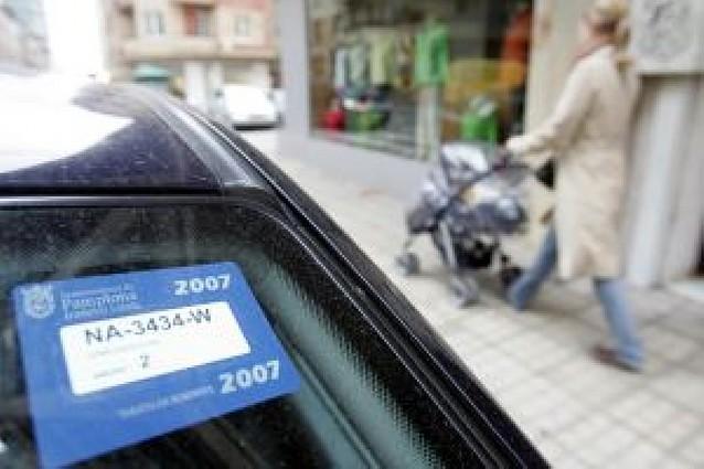 4 meses de cárcel y 720 euros por falsificar la tarjeta de la zona azul