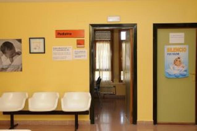 El centro de salud de Peralta lleva una semana sin pediatras