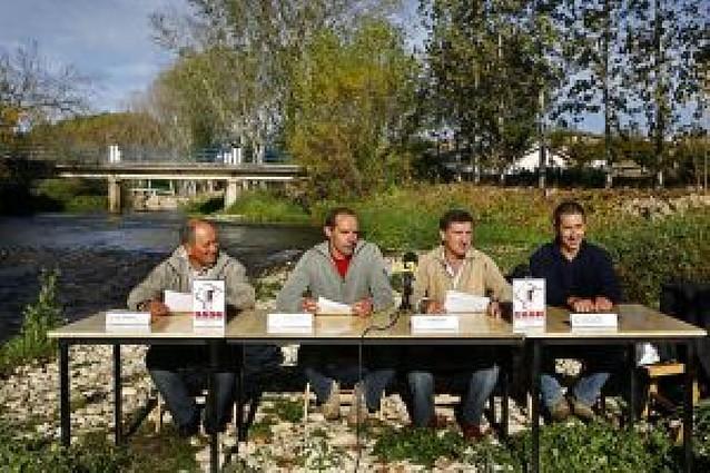 Siete ayuntamientos de Valdega piden a Medio Ambiente una actuación de urgencia en el río