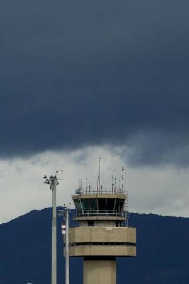 Otros dos vuelos salieron tarde de Noáin hace 9 días por el retraso de un empleado
