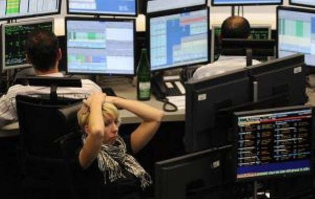 El Ibex 35 baja un 5,2% y acumula ya una caída del 45% en lo que va de año