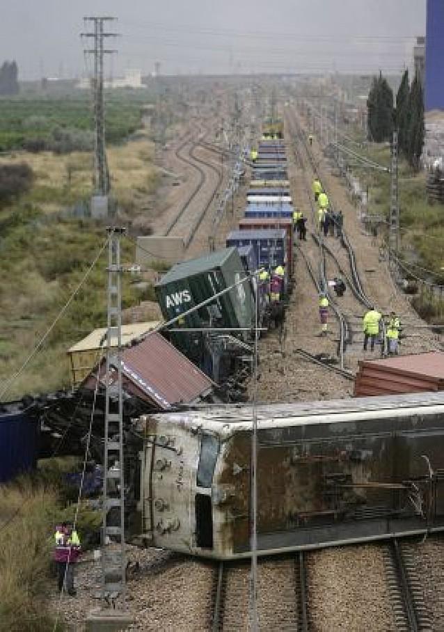 Descarrila un tren de mercancías en Castellón