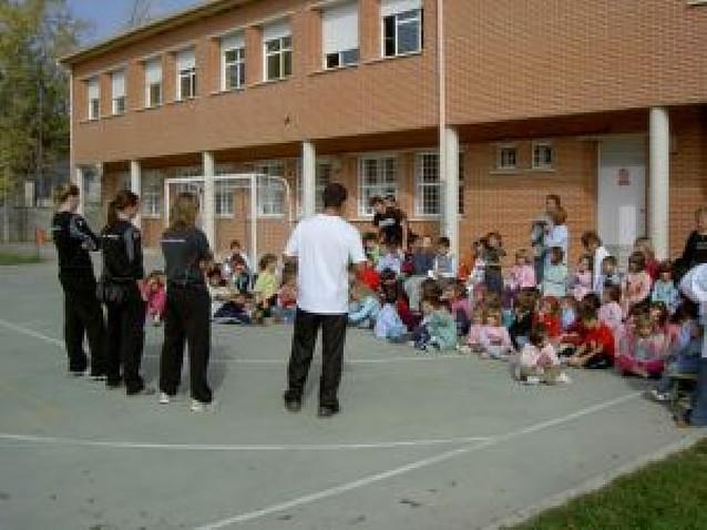Visita a los colegios del Itxako