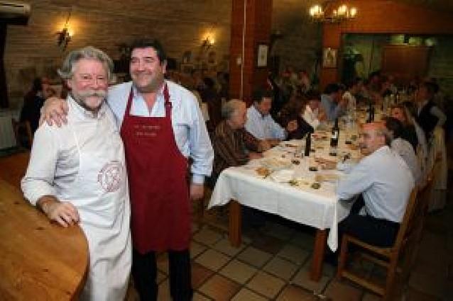 Unas 60 personas participan en la primera cena de las sociedades gastronómicas