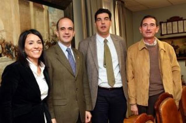 Un sector promueve a Catalán para presidir UPN y a Barcina para el Gobierno