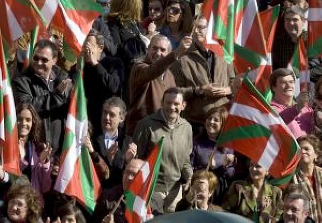 Acto soberanista del tripartito vasco en el día previsto para la consulta popular